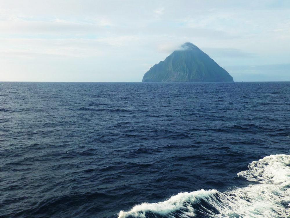 遥かなる島々へ! 硫黄三島クル...