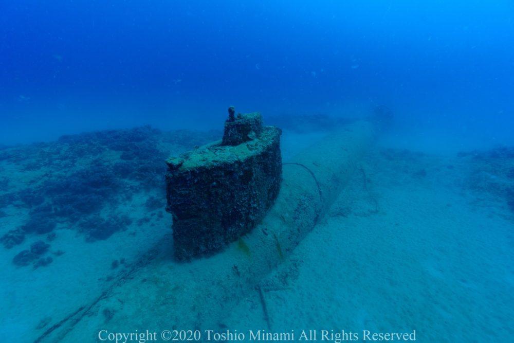 司令塔部分の上部には潜望鏡も確認できる