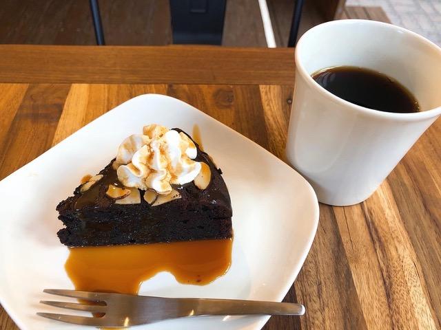 2_美味しいスイーツが楽しめるカフェもあります